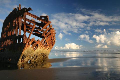 shipwreck-oregon_peter_iredale