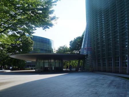 02国立新美術館