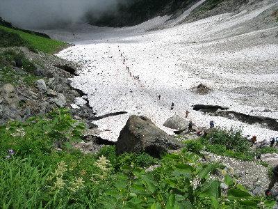 34雪渓終了点を上から(ss)