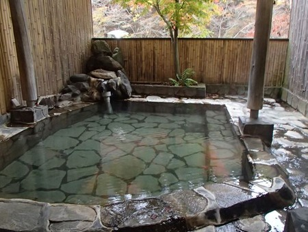 16和泉屋旧館露天風呂