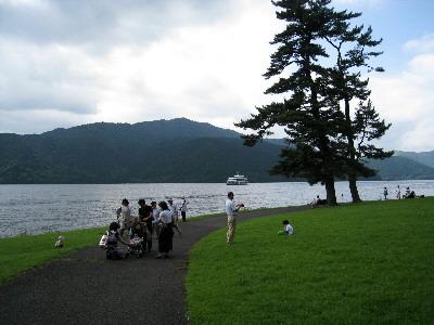 04湖畔の風景