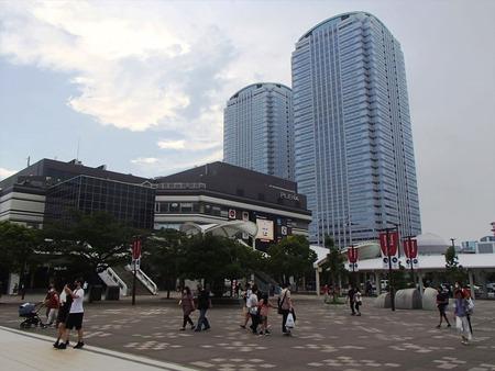 23海浜幕張駅
