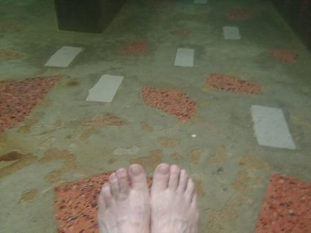 60-2湯船の床がモザイク