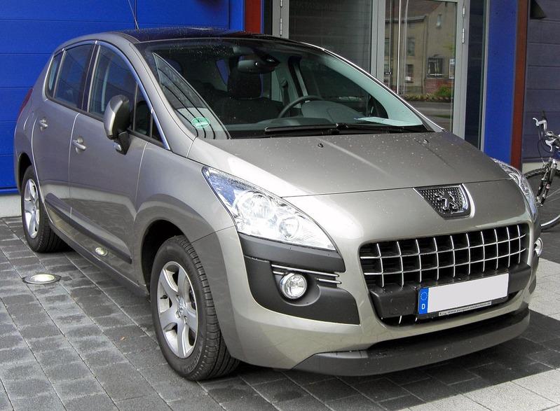 1280px-Peugeot_3008_20090706_front