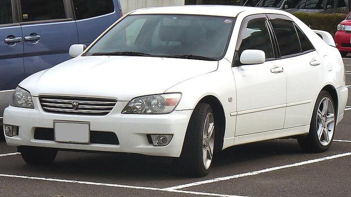 800px-Toyota_Altezza (1)