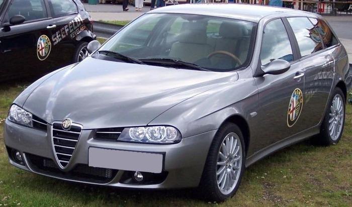 800px-Alfa_Romeo_156_Sport_waggon_grey_vl