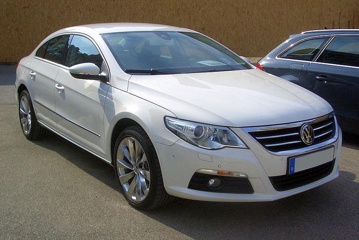 800px-VW_Passat_CC