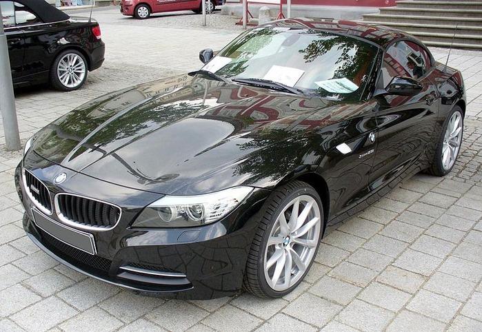 800px-BMW_E89_Z4_sDrive23i