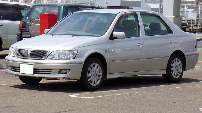 800px-Toyota_Vista_2000