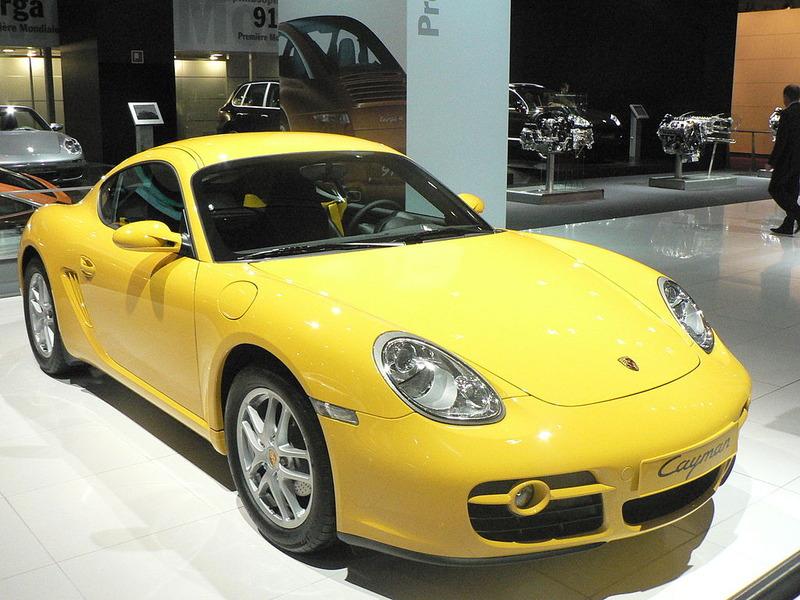 1024px-PorscheCayman