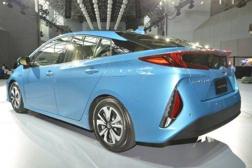 2017-Toyota-Prius-Prime-PHEV-6