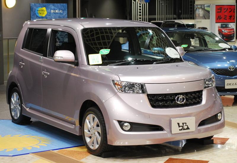2008_Toyota_bB_01