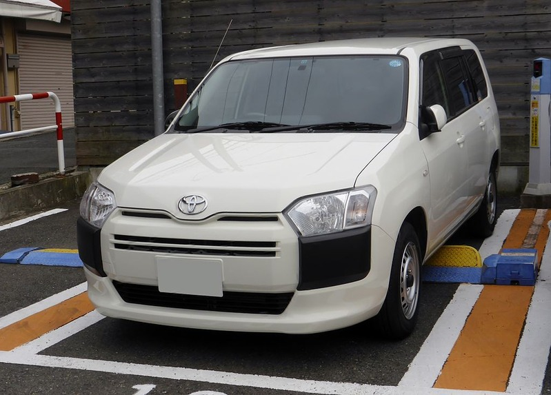 Toyota_PROBOX_DX_(NSP160V)_front