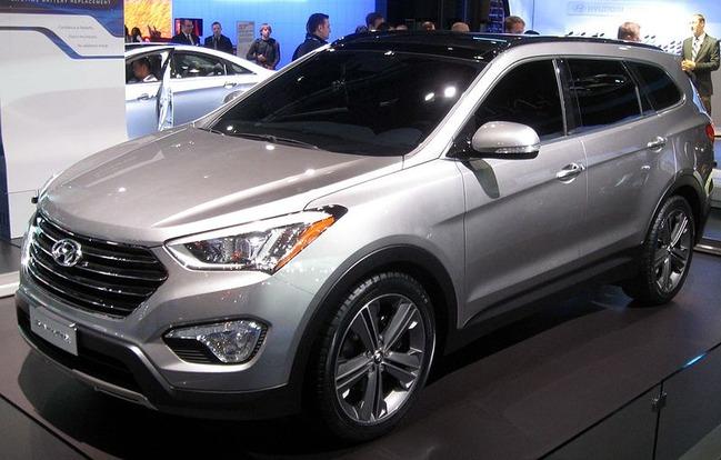 800px-2013_Hyundai_Santa_Fe_LWB_--_2012_NYIAS
