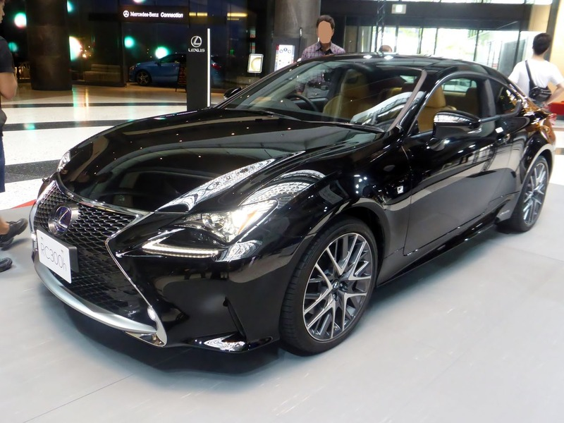 The_frontview_of_Lexus_RC300h_F_SPORT_prototype