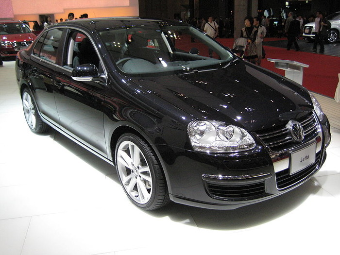 800px-Volkswagen_Jetta_V_black