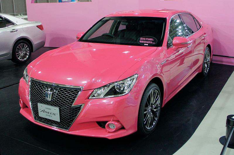 1024px-Toyota_Crown_2013_Megaweb