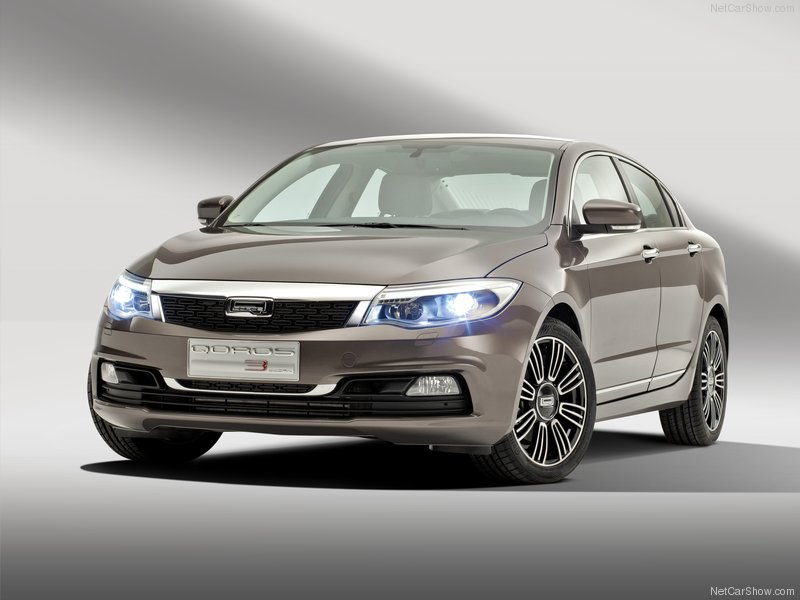 Qoros-3_Sedan_2014_800x600_wallpaper_01