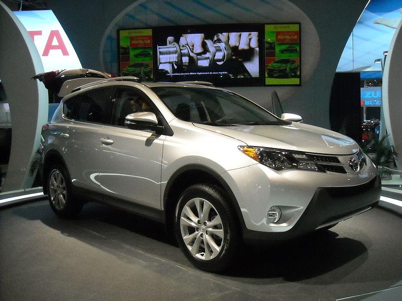 800px-Toyota_RAV4_2013_MIAS