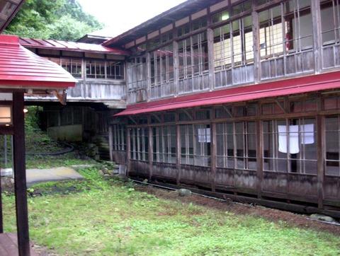 佐藤旅館中庭