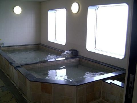 船内の展望風呂