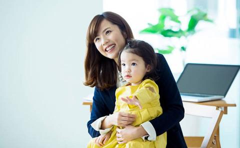 田中唯働くママ01
