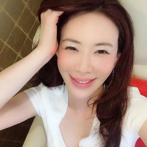 熟女グラドル岩本和子が男の顔を切り付け殺人未遂逮捕!!!