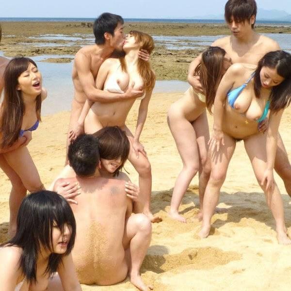 ビーチで野外セックス(乱交あり)画像w ほか