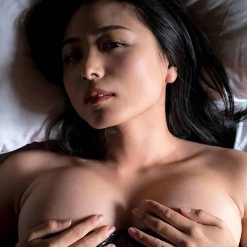 川村ゆきえの乳首が見えそうで見えない