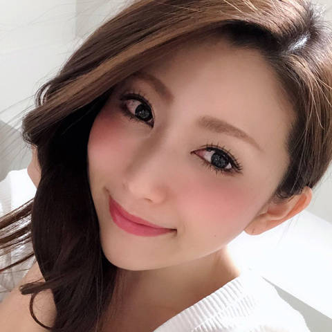 妃ひかり(きさきひかり) 改名再デビュー!(妃ひかり=仲夏ゆかり=彩月あかり=岩佐めい)