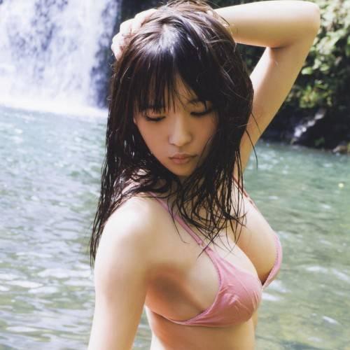 S☆G浅川梨奈 濡れたピンクビキニの尻がえっろい!