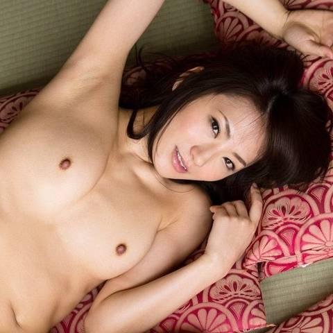 香西咲、元芸能人の妖艶スレンダー美女が性欲全開で悶絶セックス
