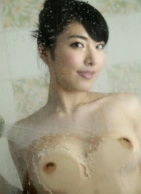由愛可奈 av女優のセックスな写真