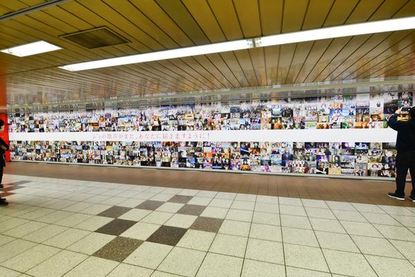 『ラブライブ!』大規模広告が新宿地下のメトロプロムナードに登場!30
