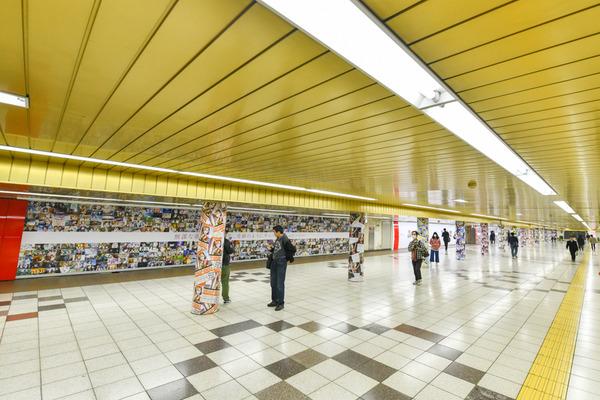 『ラブライブ!』大規模広告が新宿地下のメトロプロムナードに登場!32