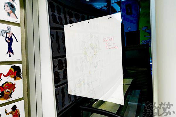 ヘスティア様のあんな顔やこんな顔も…『ダンまち』展示会が秋葉原で開催中!サイン入り等身大パネルやたくさんの原画を展示03331