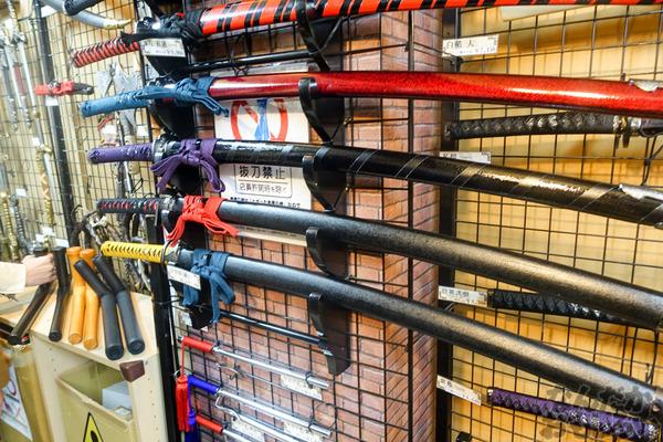 刀剣などを扱う秋葉原で有名な武器防具屋『武装商店』のフォトレポート_00940