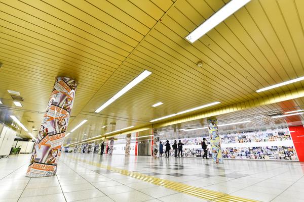 『ラブライブ!』大規模広告が新宿地下のメトロプロムナードに登場!31