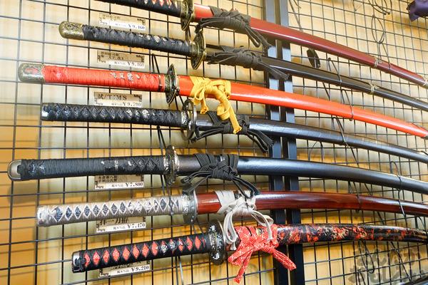 刀剣などを扱う秋葉原で有名な武器防具屋『武装商店』のフォトレポート_00945
