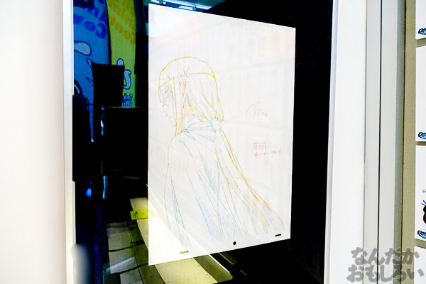 ヘスティア様のあんな顔やこんな顔も…『ダンまち』展示会が秋葉原で開催中!サイン入り等身大パネルやたくさんの原画を展示03323