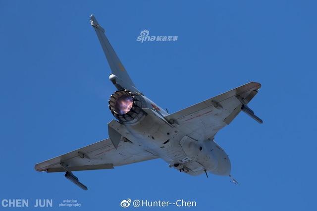 J-10 推力偏向ノズル_4