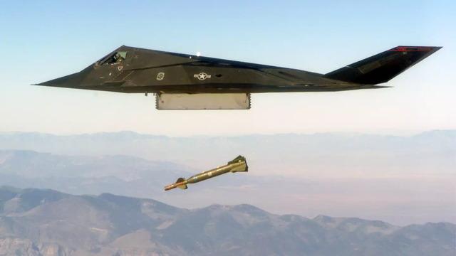 F-117_4