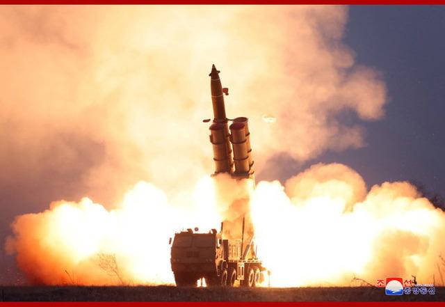 超大型ロケット砲の連射試射_2