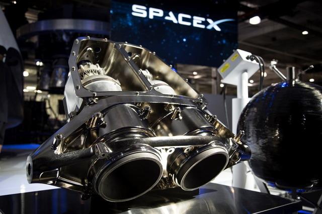 ドラゴン宇宙船のスラスター