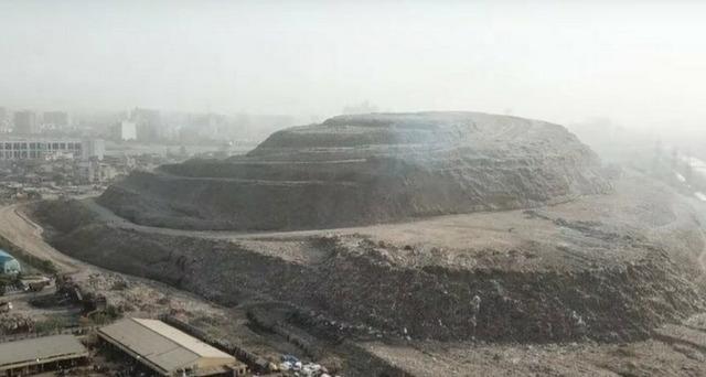 インドのゴミ山_2