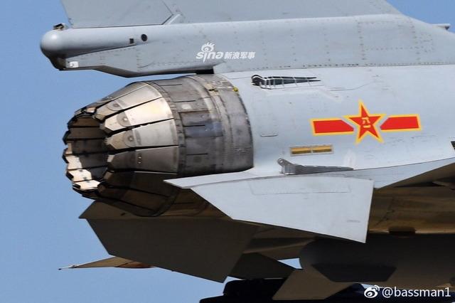 J-10 推力偏向ノズル_9
