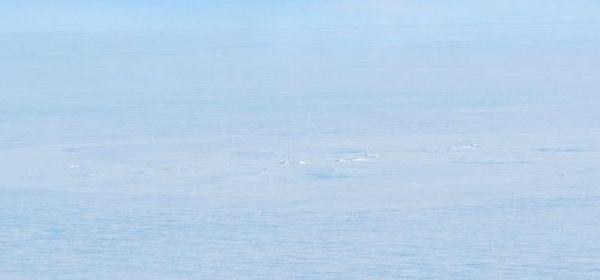 南極クレーター_1