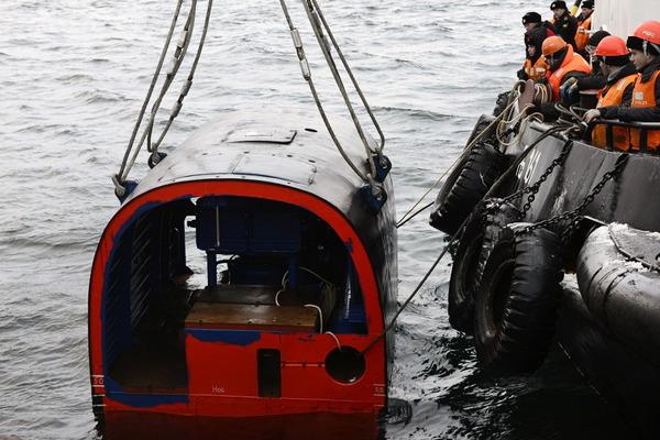 ヤーセン型原子力潜水艦の脱出ポッド_5
