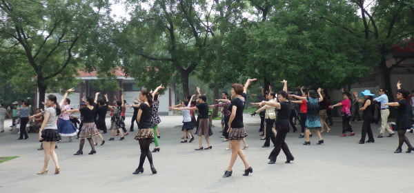 広場ダンス