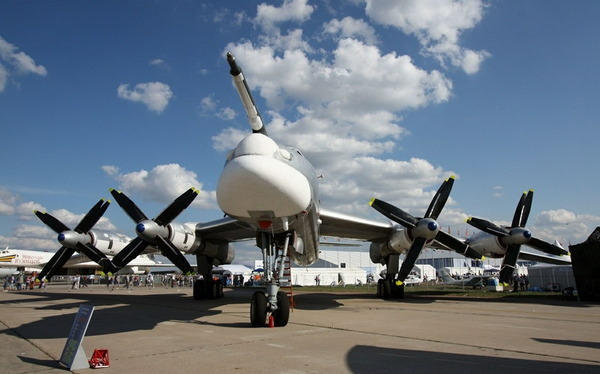 Tu-95_7